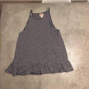 NEVER WORN top with detailed bottom